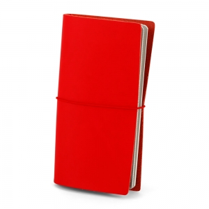 červený kožený zápisník, travelbook
